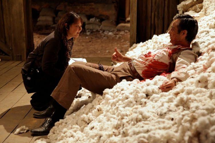 Ator Shun Sugata, Que Ficou Mais De Uma Hora Deitado No Algodão