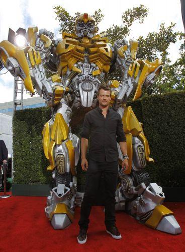 Veja tapete vermelho e premia o do mtv movie awards 2011 fotos uol cinema - Transformers tapete ...