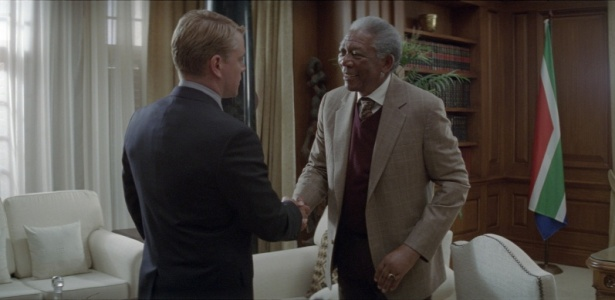 Matt Damon como Francois Pienaar e Morgan Freeman como Nelson Mandela em 