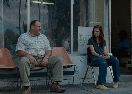 James Gandolfini e Kristen Stewart em cena do filme ''Welcome to the Rileys''