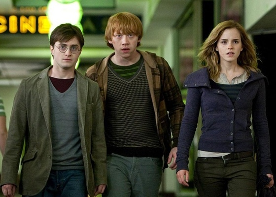 Daniel Radcliffe, Rupert Grint e Emma Watson em Harry Potter e as Rel�quias da Morte