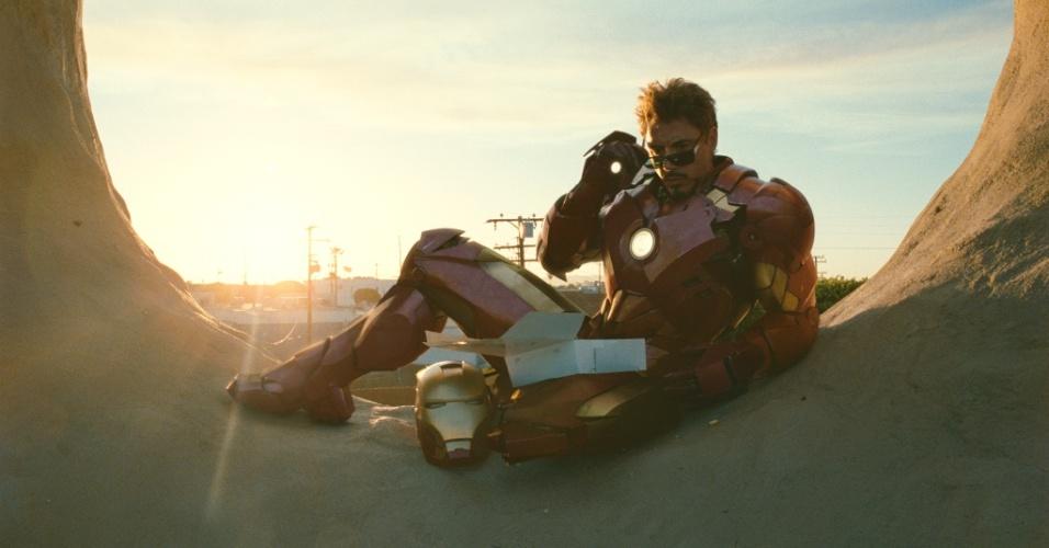 Robert Downey Jr é o Tony Stark e o herói de armadura em
