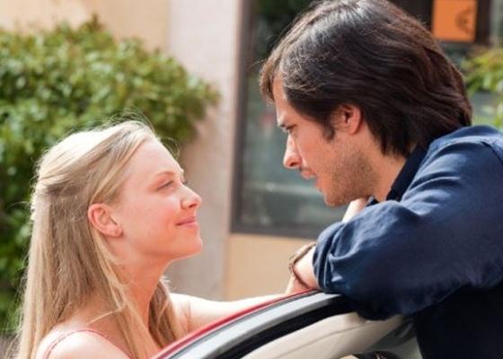"Amanda Seyfried e Gael García Bernal em cena de ''Cartas para Julieta"""