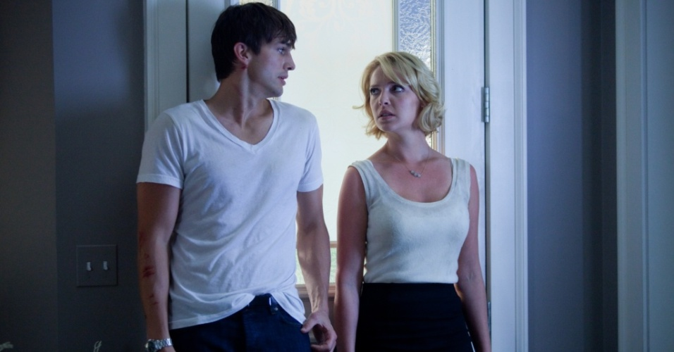 Ashton Kutcher e Katherine Heigl em cena do filme