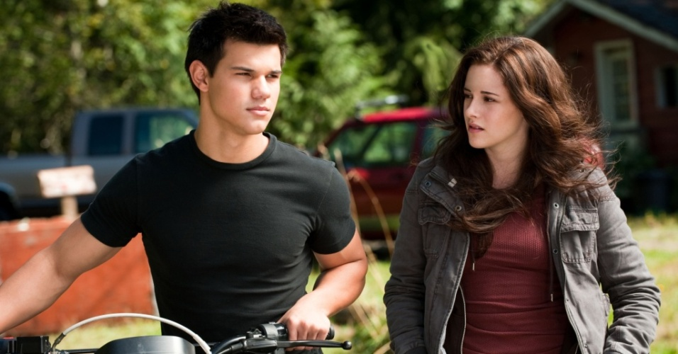 No papel de Jacob, Taylor Lautner disputa o amor de Bella (Kristen Stewart) com Edward (Robert Pattinson)