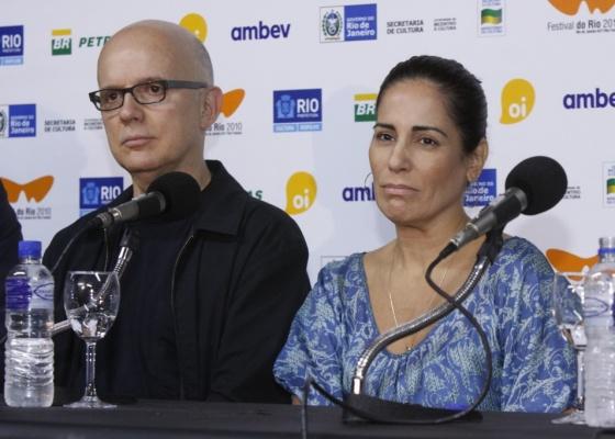 Bruno Barreto e Glória Pires na entrevista coletiva de anúncio do projeto Flores Raras, em 2010