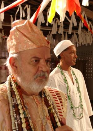 O ator Harildo Deda interpreta pai de santo no  filme Jardim das Folhas Sagradas