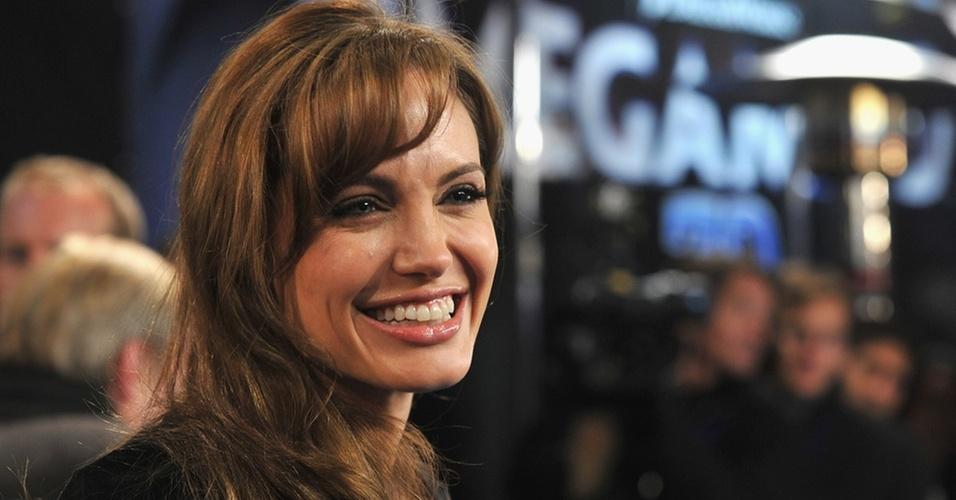 Angelina Jolie participa da première de ''Megamente'' em Paris, na França (29/11/2010)