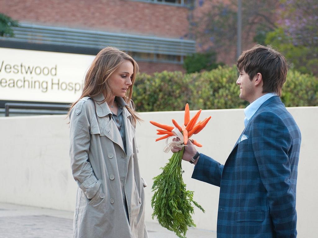 Natalie Portman e Ashton Kutcher estrelam a comédia romântica ''Sexo sem Compromisso