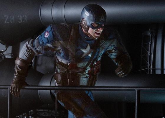 """Chris Evans é o Capitão América no filme """"Capitão América: O Primeiro Vingador"""""""