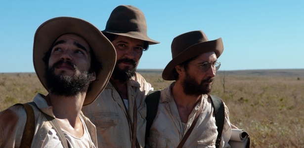 Caio Blat, Felipe Camargo e João Miguel em cena de Xingu, de Cao Hamburger