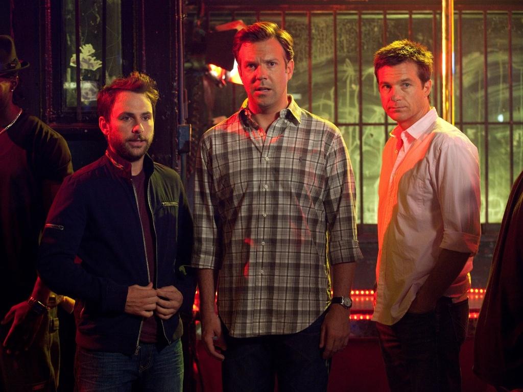 Jason Bateman, Charlie Day e Jason Sudeikis querem se livrar de seus problemas em