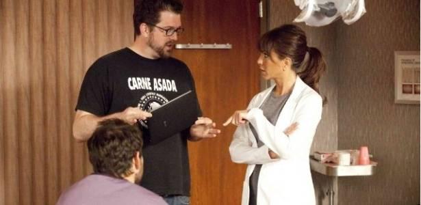 Jennifer Aniston, Charlie Day, Seth Gordon em cena de