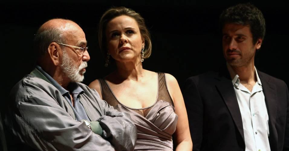 Lima Duarte, Giulia Gam e Eriberto Leão participam da apresentação de