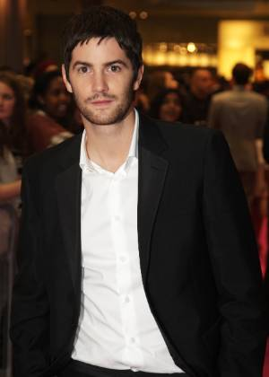 O ator Jim Sturgess comparece &#224; pr&#233;-estreia do filme &#34;One Day&#34; em Londes (23/08/2011)