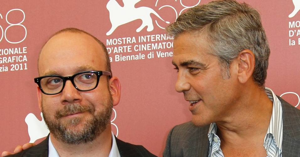 O ator Paul Giamatti e George Clooney divulgam o filme 