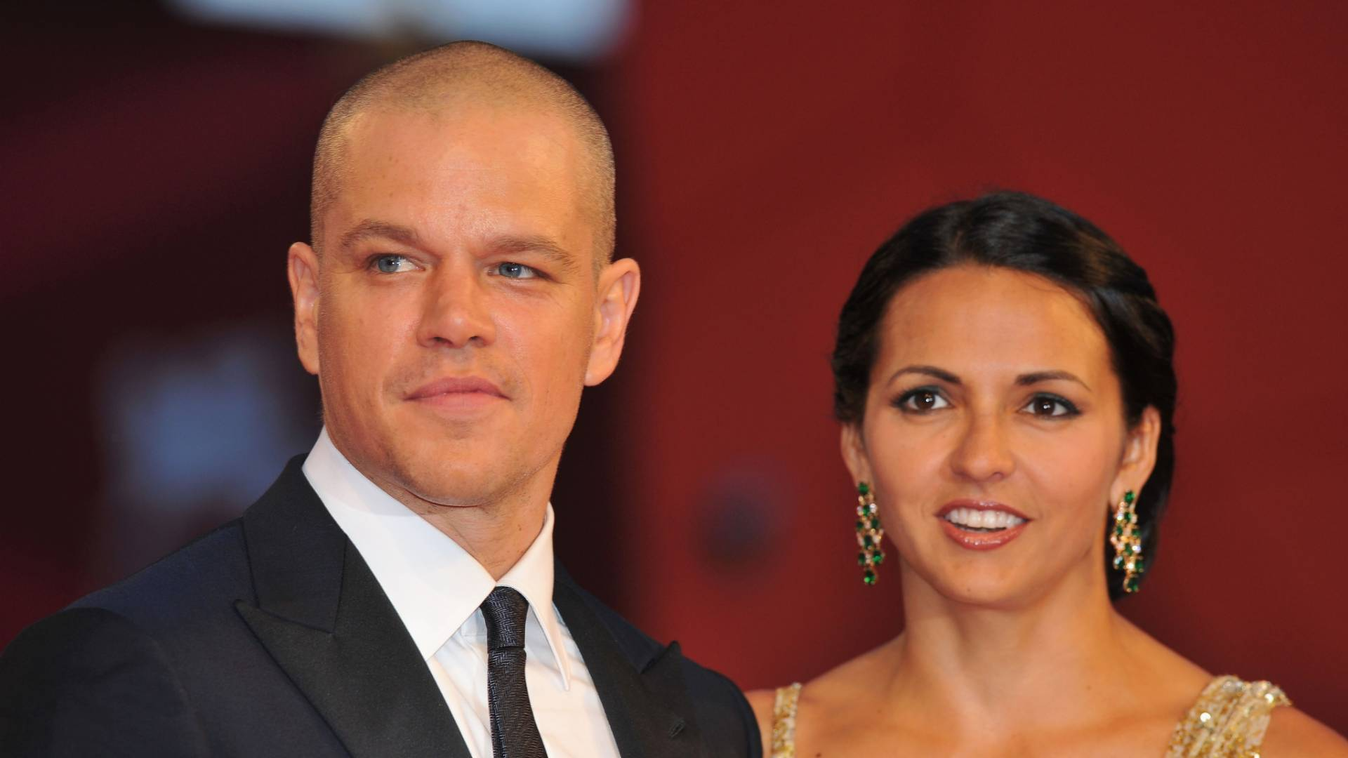Matt Damon e Luciana Barroso no tapete vermelho na pr-estreia do filme 