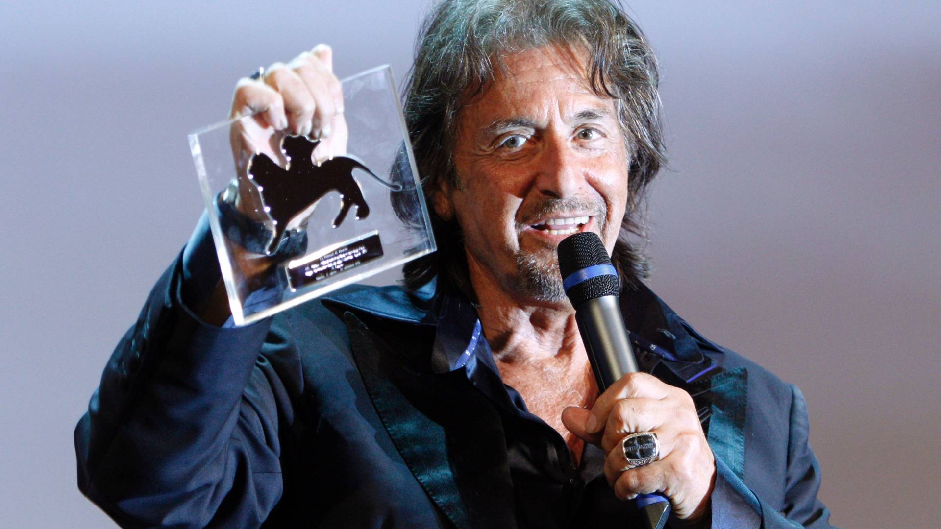 Al Pacino agradece homenagem que ganhou pelo conjunto de sua obra no festival de Veneza (4/9/11)