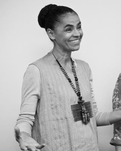 Marina Silva com a cineasta Sandra Wernek, que est&#225; produzindo um filme sobre a trajet&#243;ria da ex-senadora &#40;8/11/11&#41;