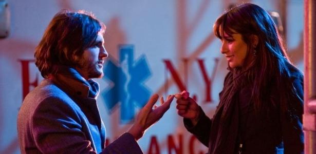 Ashton Kutcher e Lea Michele em cena de Noite de Ano Novo, de Garry Marshall
