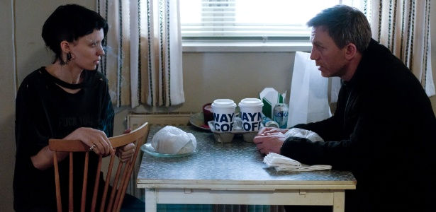 """Rooney Mara e Daniel Craig em cena de """"Millennium - Os Homens que Não Amavam as Mulheres"""", de David Fincher"""