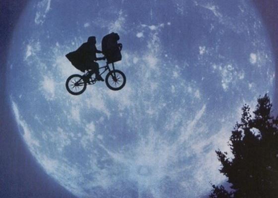Cena do filme E.T.- O Extraterrestre