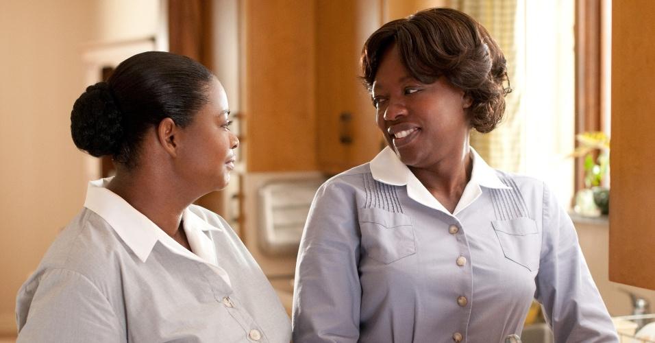 """Octavia Spencer e Viola Davis em cena do filme """"Histórias Cruzadas"""""""