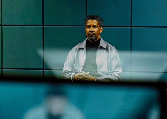 Denzel Washington em cena do filme Safe House