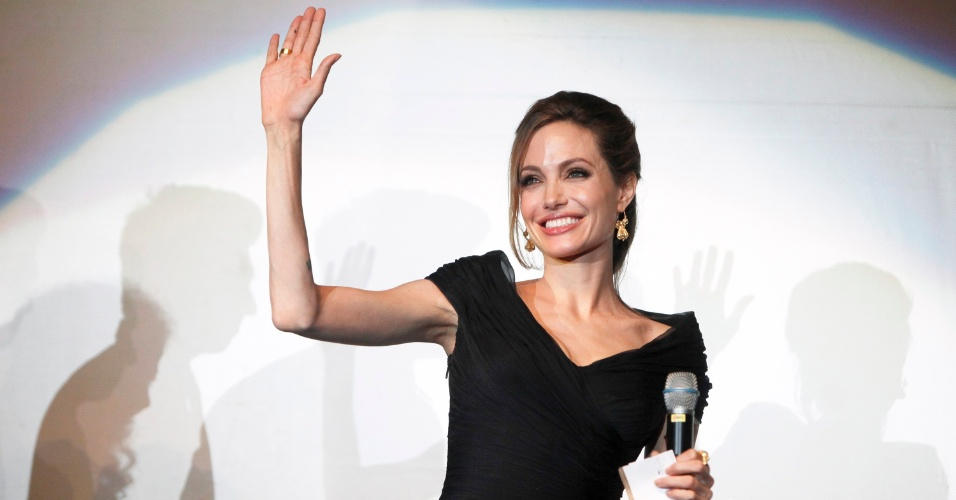Angelina Jolie em pr&#233;-estreia de &#34;In The Land Of Blood And Honey&#34;, em Sarajevo (14/2/12)