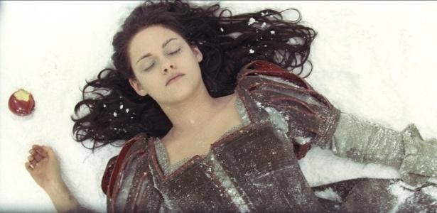 Kriesten Stewart faz o papel de Branca de Neve em