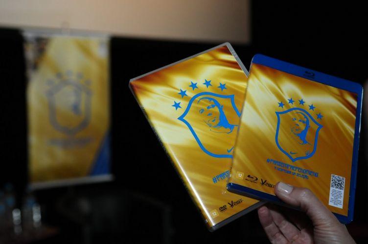 Capas do DVD e blu-ray do documentário