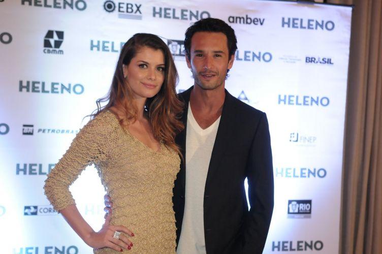 Os protagonistas Rodrigo Santoro e Alinne Moraes na pré-estreia do filme