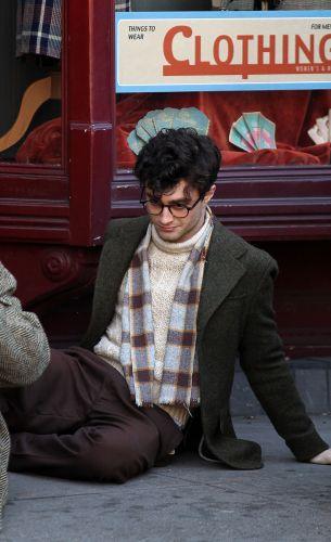 Daniel Radcliffe interpreta o poeta Allen Ginsberg em