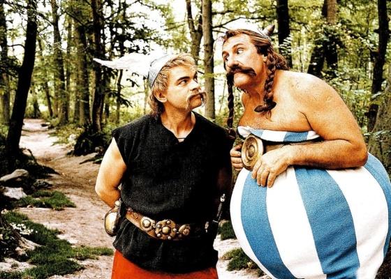 Asterix (Clovis Cornillac, à esq) e Obelix (Gérard Depardieu) em cena de Asterix nos Jogos Olímpicos, filme de 2008