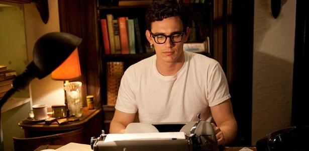 """James Franco aparece no papel de Allen Ginsberg em """"""""Howl"""""""", de Rob Epstein  - Divulgação"""