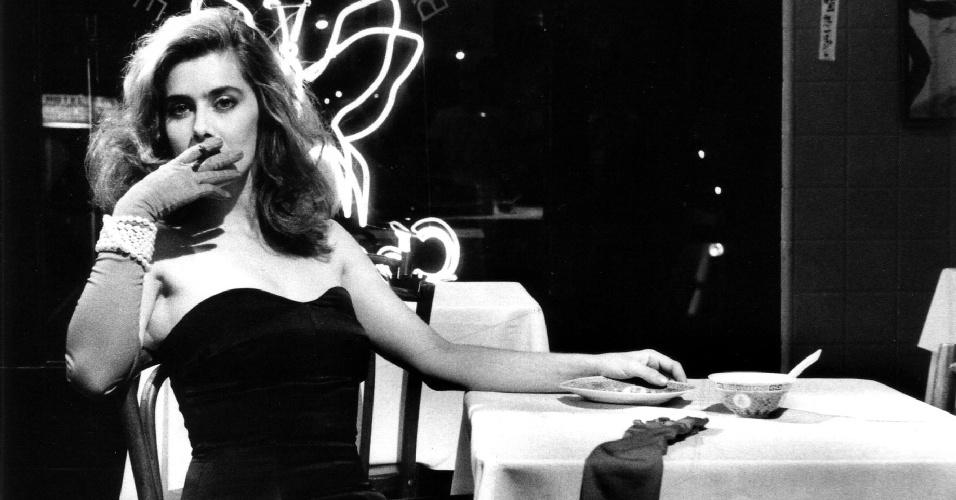 Maitê Proença é mulher sedutora em ''A Dama do Cine Shangai'', de Guilherme de Almeida Prado