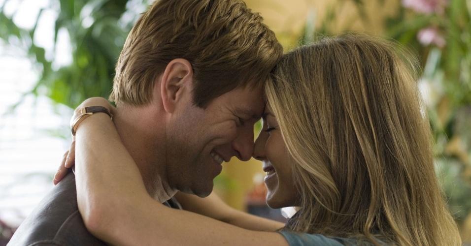 Aaron Eckhart e Jennifer Aniston em cena do filme