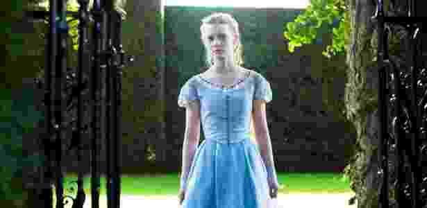 Curiosidade é desejável ao empreendedor; na foto, a atriz Mia Wasikowska, que interpretou Alice no cinema - Divulgação