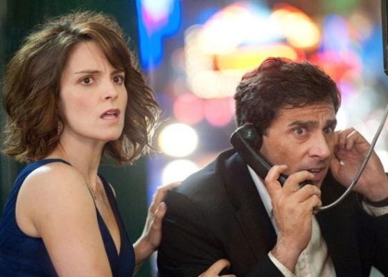 Tina Fey e Steve Carell em cena de ''Uma Noite Fora de Série''