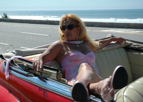 Rita Cadillac na cena de abertura do documentário Rita Cadillac - A Lady do Povo