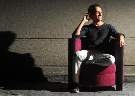 O ator pernambuco Irandhir Santos posa para foto em São Paulo