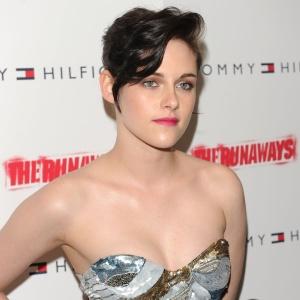 Kristen Stewart é vista em pré-estreia em Nova York, nos EUA , em março de 2010