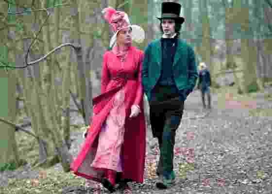 """Fanny Brawne (Abbie Cornish) e John Keats (Ben Whishaw) iniciam um romance em """"Brilho de Uma Paixão"""" - Divulgação"""