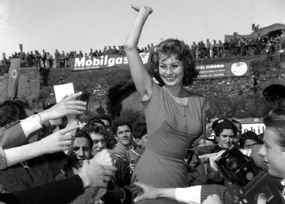 Imagem de Sophia Loren faz parte de exposição fotográfica em Roma