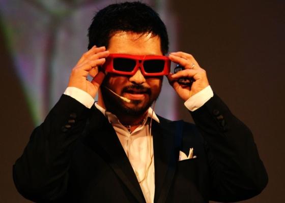 O cineasta Takashi Shimizu participa de evento relacionado a 3D no Festival de Veneza, na Itália, em 2009