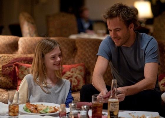 Em Somewhere, de Sofia Copolla, Stephen Dorff dá vida a um ator famoso que tem uma filha adolescente