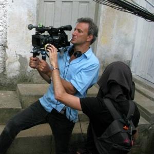 Jonathan Nossiter manipula a câmera na gravação do filme Rio Sex Comedy