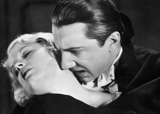 Cena do filme Drácula (1931), do diretor Tod Browning, com o ator Bela Lugosi no papel principal