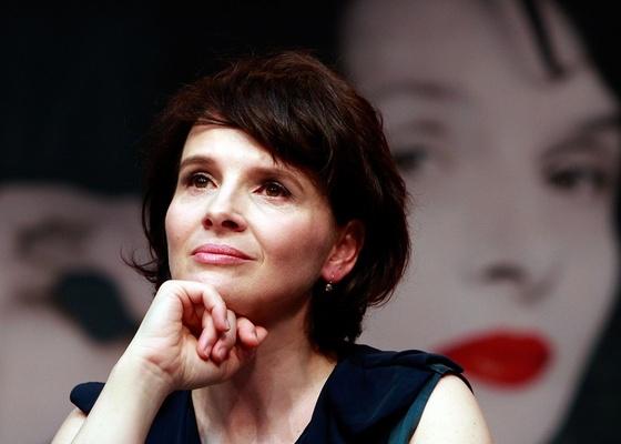 Juliette Binoche participa de entrevista coletiva na Coreia do Sul, em imagem de outubro de 2010 - Getty Images