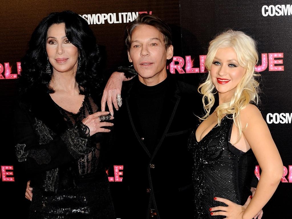 Cher, o diretor Steven Antin e Christina Aguilera participam de première na Espanha (9/12/2010)